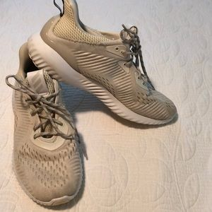Alphabounce Running Shoe